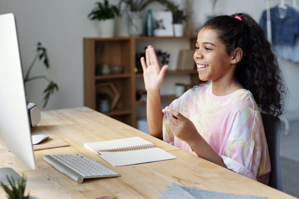 免费注册入学,即可网上学习英语